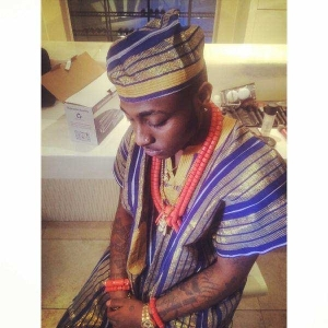 """Photo: Davido Swags Out in Traditional """"Babariga"""" Outfit"""